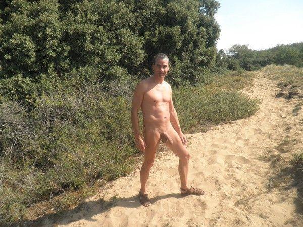 papy gay nus baise dans les dunes